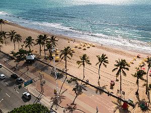Juíza nega pedido para que cidadãos transitem em praia da PB