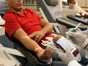STF derruba normas que proíbem homens gays de doar sangue