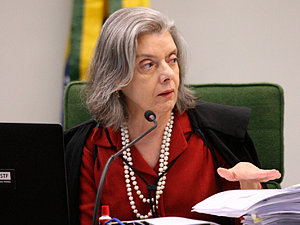 Cármen Lúcia nega ação que pedia suspensão de mudança no CTN