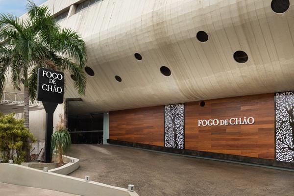 Justiça ordena que Fogo de Chão reintegre 100 funcionários no Rio